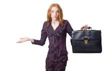 Junge Frau mit Aktentasche