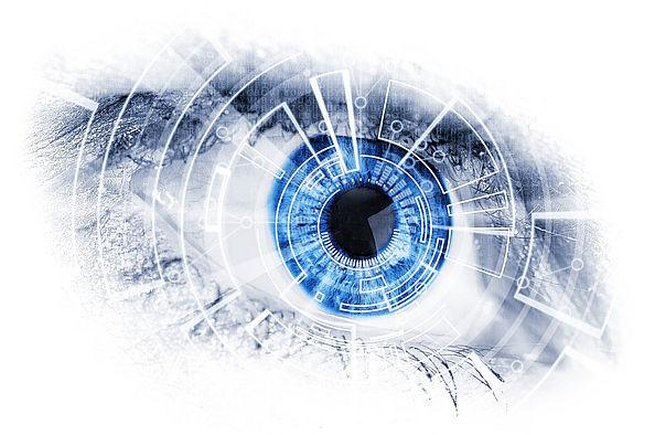 Auge mit künstlicher Linse